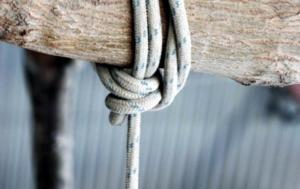Ζάκυνθος: Βγήκε από το σπίτι και είδε τον πατέρα του κρεμασμένο σε δέντρο – Σοκάρει η νέα αυτοκτονία!