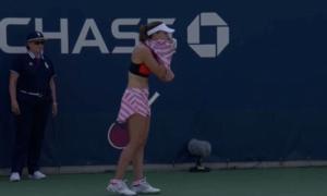 US Open: Βγήκε απ' τα… ρούχα της η Κορνέ! «Έκρηξη» στο twitter – video