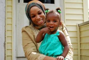 Ταχίρα Αμάτουλ- Ουαντούντ: Μία ξεχωριστή γυναίκα υποψήφια για το Κογκρέσο! Videos