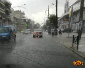 Θεσσαλονίκη: Άνοιξαν οι ουρανοί – Δρόμοι ποτάμια – Πλημμύρισαν σπίτια