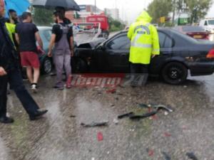 Τρακαρίσματα αυτοκινήτων στην βροχερή Πάτρα – Ασθενοφόρα στο σημείο – video [pics]