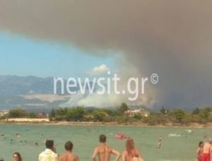 Συγκλονιστικές φωτογραφίες από την Εύβοια – Αεροπλάνα κάνουν βουτιές και κόβουν την ανάσα! [pics]