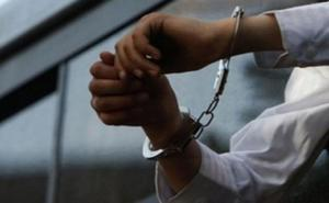 Προσπάθησε να χτυπήσει Αστυνομικούς με αυτοκίνητο – Χειροπέδες στον κλέφτη – καμικάζι