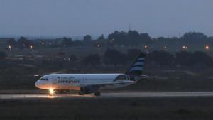 Πανικός στον αέρα – Απειλές για βόμβες προσγείωσαν 9 αεροπλάνα