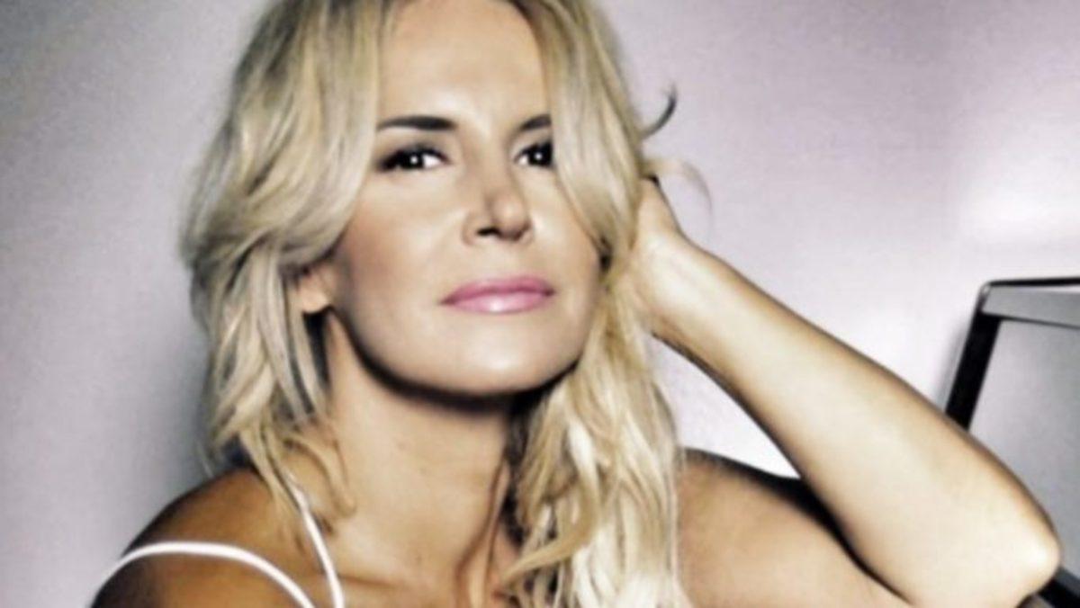 Μαρία Ανδρούτσου: Κλέβει τις εντυπώσεις με το μαύρο μπικίνι της! | Newsit.gr
