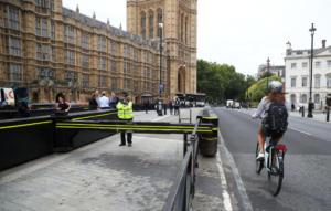 Βρετανία: Για απόπειρα δολοφονίας κατηγορείται ο 29χρονος που παρέσυρε πεζούς και ποδηλάτες