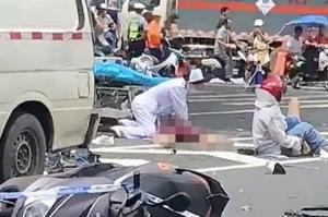 Φορτηγάκι έπεσε σε πεζούς έξω από νοσοκομείο στην Κίνα!