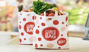Coles και Woolworths σταμάτησαν να χρεώνουν τις πλαστικές σακούλες