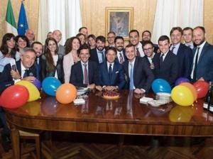 Πάρτι γενεθλίων για τον Τζουζέπε Κόντε