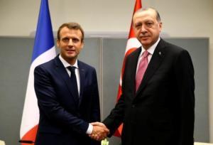 «Σκάκι» για… τρεις! Η Γαλλία σύμμαχος της Τουρκίας κόντρα στις αμερικανικές κυρώσεις