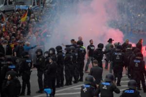 Γερμανία: Οι Ναζί δεν έφυγαν ποτέ – Φλέγεται η Σαξονία