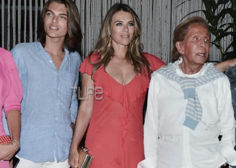 Elizabeth Hurley – Valentino: Βραδινή έξοδος στην Αθήνα [pics] | Newsit.gr