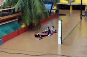 Ασύλληπτη τραγωδία στην Ινδία! 324 νεκροί από τις φονικές πλημμύρες – Συναγερμός για νέες καταιγίδες – video