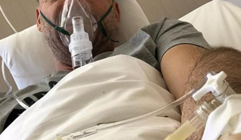 Εσπευσμένα στο νοσοκομείο γνωστός Έλληνας τραγουδιστής! [pic] | Newsit.gr