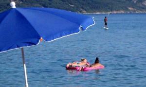Καιρός: Ο Αύγουστος αποχαιρετά με συννεφιά και 35αρια