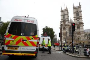 Τρομοκρατικό το χτύπημα στο Λονδίνο – «Συναγερμός» για τα κίνητρα του οδηγού που παρέσυρε πεζούς και ποδηλάτες