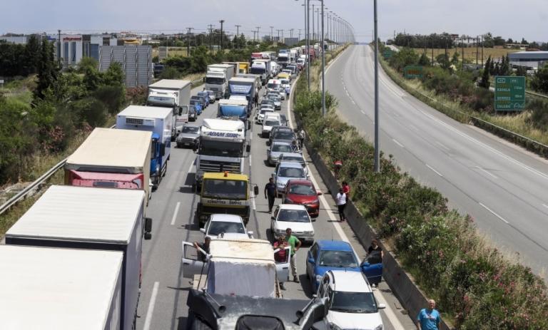 Λωρίδα Έκτακτης Ανάγκης – Γιατί δεν πρέπει να οδηγούμε ποτέ στη ΛΕΑ | Newsit.gr