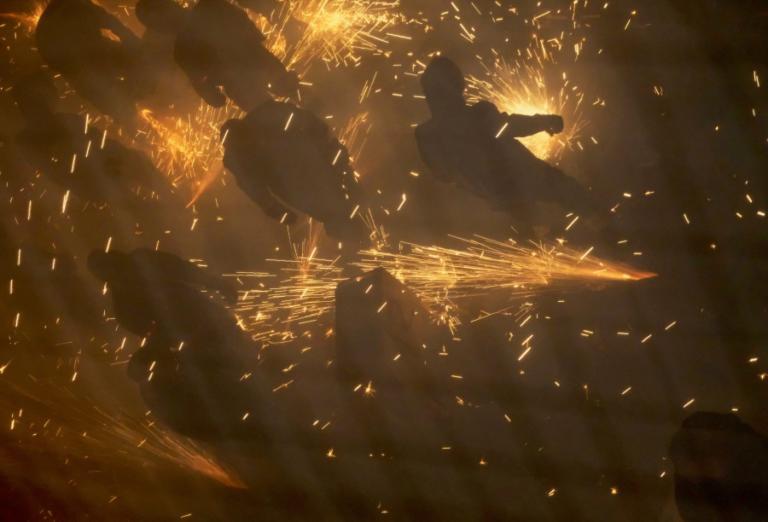 Κτηνωδία στο Μεξικό! Χωρικοί τους έκαψαν ζωντανούς επειδή τους… μπέρδεψαν με άλλους!