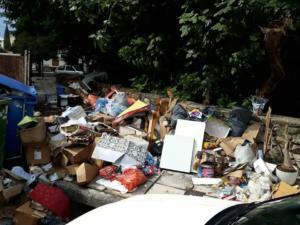 Θεσσαλονίκη: Πάνω από 3.600 τόνους τα ογκώδη αντικείμενα που συγκεντρώθηκαν από τους δρόμους [pics]