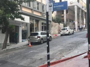 Ισχυρή έκρηξη στον Πειραιά: Άφησαν τη βόμβα μέσα σε σακίδιο – video