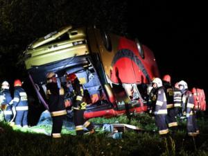 Τραγωδία με τουριστικό λεωφορείο στην Πολωνία – Τρεις νεκροί και 18 τραυματίες