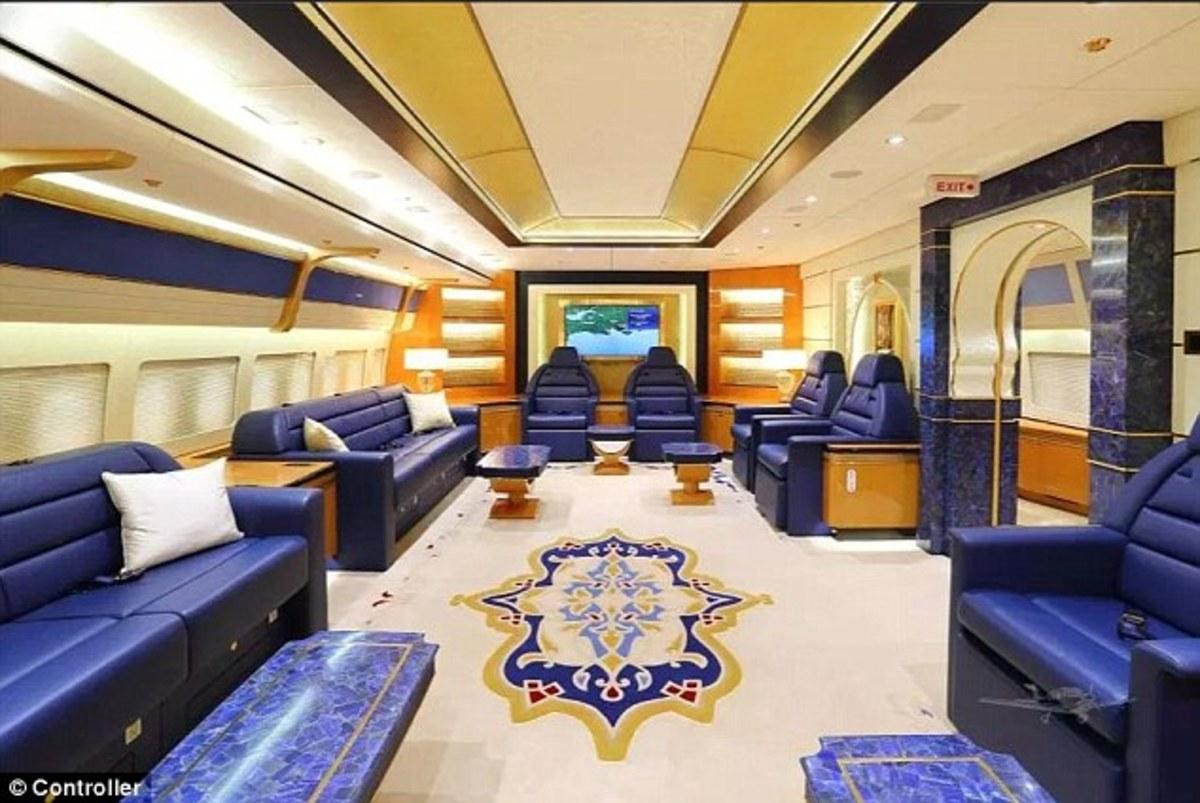 Πωλείται το ιπτάμενο παλάτι της βασιλικής οικογένειας του Κατάρ [pics]