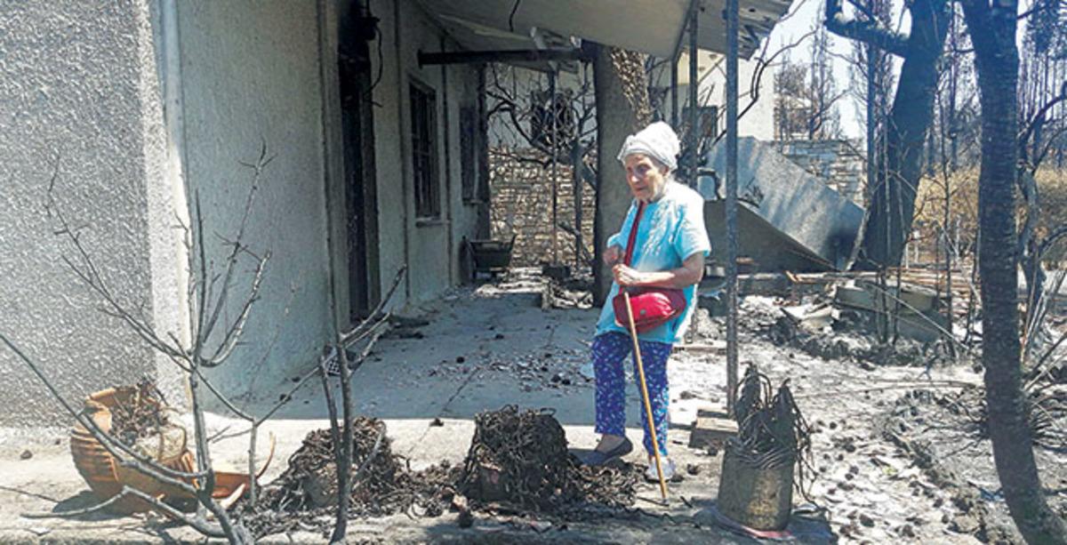"""""""Θεϊκό"""" σημάδι στο σπίτι της Τιτίκας Σαριγκούλη που παραδόθηκε στις φλόγες   Newsit.gr"""