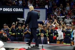 Στριμωγμένος ο Τραμπ λόγω Κόεν και Μάναφορτ