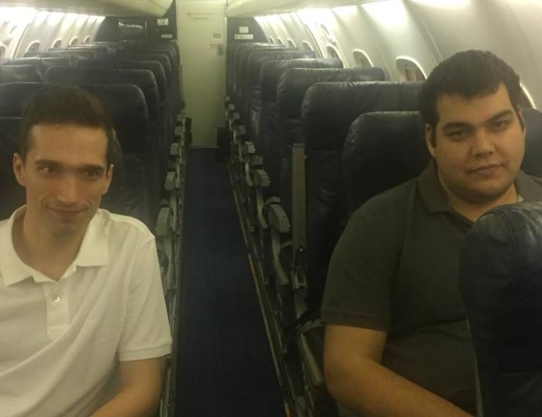 Έλληνες στρατιωτικοί: Κούκλατζης και Μητρετώδης μέσα στο προεδρικό αεροσκάφος! [pic] | Newsit.gr
