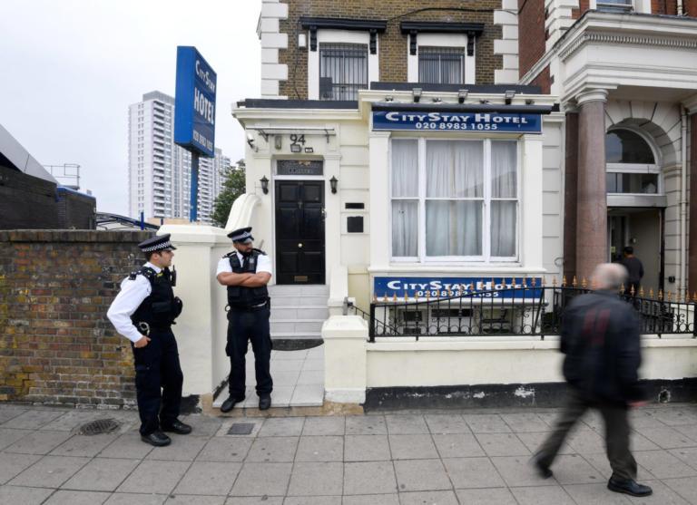 Υπόθεση Σκριπάλ: Επέστρεψε στην υπηρεσία ο αστυνομικός που είχε δηλητηριαστεί με Νόβιτσοκ | Newsit.gr