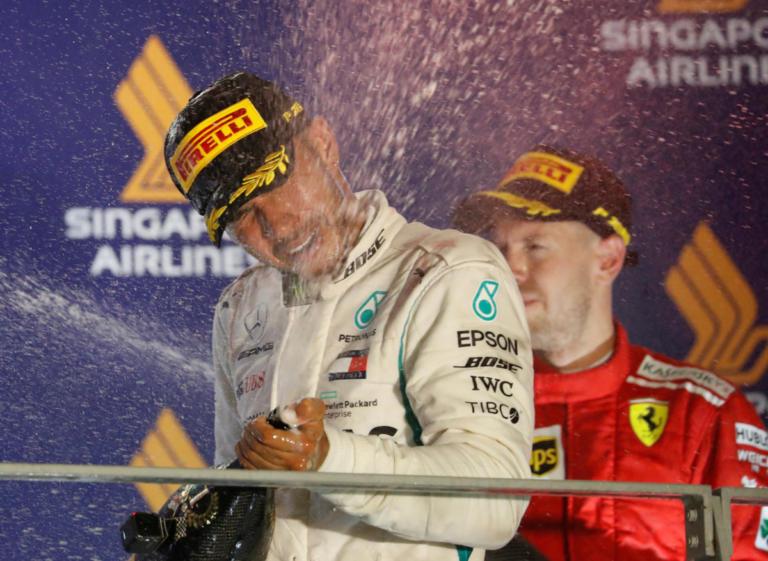 Formula 1: Δεν έχει αντίπαλο ο Χάμιλτον! Πρώτος και στη Σιγκαπούρη | Newsit.gr
