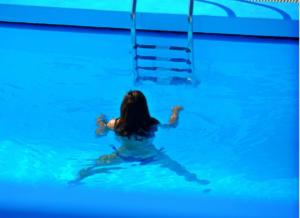 Ηράκλειο: Πέθανε την ώρα που κολυμπούσε στην πισίνα του ξενοδοχείου – Σπαραγμός για τη γυναίκα!