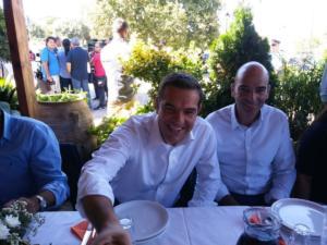 Χανιά: Οι εκπλήξεις στο τραπέζι για τον Αλέξη Τσίπρα – Το μενού, το ριζίτικο και οι ατάκες που συζητήθηκαν – video