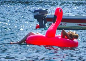 Εύβοια: Κοιμήθηκε στο φουσκωτό στρώμα και πνίγηκε στη θάλασσα – Ασύλληπτη τραγωδία στην Αμάρυνθο [pics]