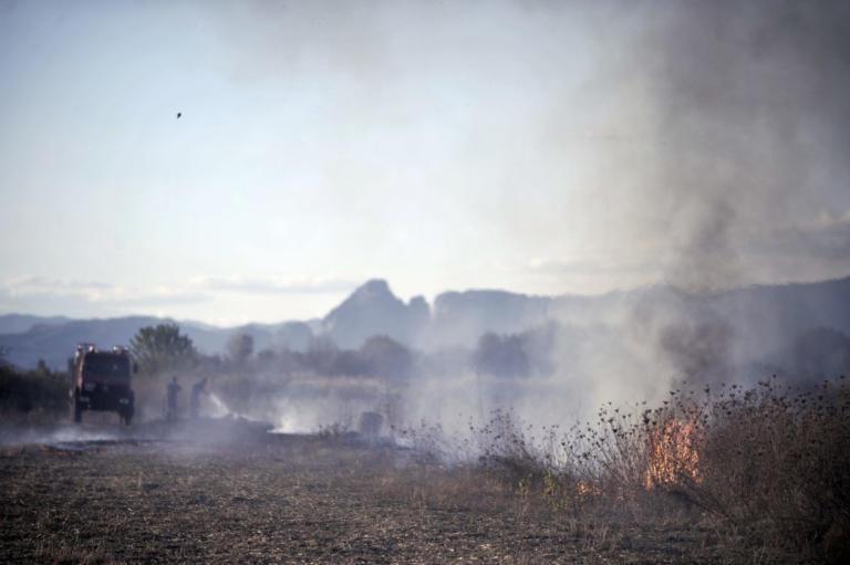 Μεγάλη φωτιά στη Μόρια μεταξύ του χωριού και του κέντρου μεταναστών!   Newsit.gr