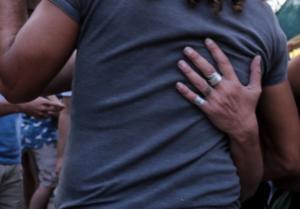 Λάρισα: Κατέρρευσε και πέθανε την ώρα που χόρευε – Συγκλονίζει ο θάνατος του πατέρα δύο παιδιών!