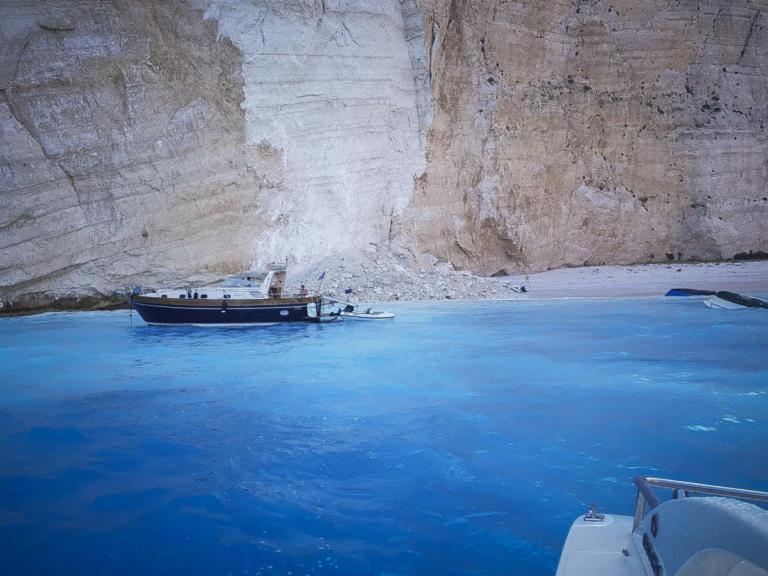 """Κραυγή αγωνίας για το """"Ναυάγιο"""" μία ημέρα μετά την τρομακτική κατολίσθηση – """"Κλειστή"""" η παραλία   Newsit.gr"""