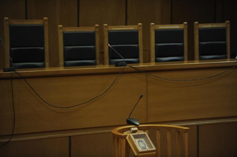 Λέσβος: Αναβλήθηκε η δίκη για την επίθεση σε δημοσιογράφο   Newsit.gr