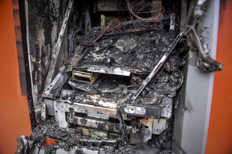 Βοιωτία: Ανατίναξαν τα ΑΤΜ αλλά έφυγαν με άδεια χέρια | Newsit.gr
