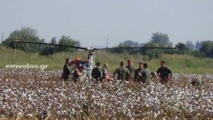 Οι πρώτες εικόνες από το ελικόπτερο που έκανε αναγκαστική προσγείωση