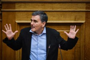 Τσακαλώτος: Ελπίζει σε συμφωνία για τις συντάξεις – Προειδοποιεί για τα κόκκινα δάνεια