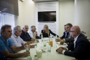 Διπλή επίθεση Γεννηματά σε Τσίπρα – Μητσοτάκη