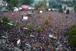 Κέμνιτς: Μεγάλη συναυλία διαμαρτυρίας κατά της ακροδεξιάς και της ξενοφοβίας!