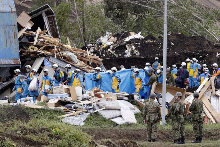 Ιαπωνία: Στους 42 ανέβηκε ο αριθμός των νεκρών από τα 6,6 Ρίχτερ! | Newsit.gr