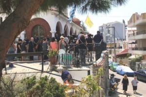 Καβάλα: Ένα λιμάνι δάκρυα στην κηδεία του μικρού Στράτου Ραφαήλ – Τελευταίο αντίο στο βασανισμένο παιδί [pics]