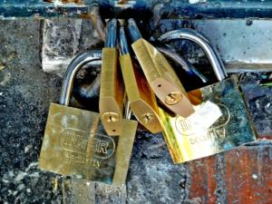 Χανιά: Λουκέτο σε δύο επιχειρήσεις για φορολογικές παραβάσεις