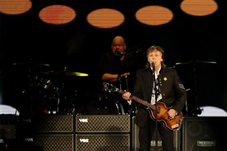 Συναυλία για λίγους από τον Πολ ΜακΚάρτνεϊ | Newsit.gr