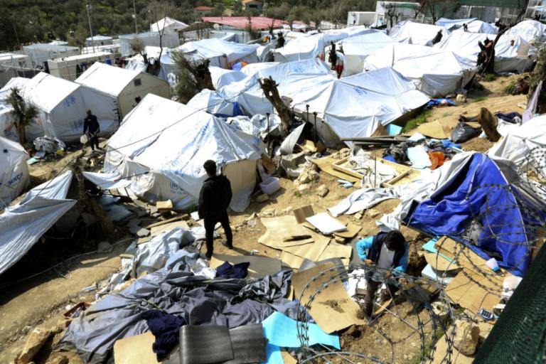 Σοκάρουν οι ΜΚΟ για τη Μόρια: «Νερά από τις τουαλέτες βρέχουν τα στρώματα παιδιών – Αυξάνεται η σεξουαλική βία» | Newsit.gr