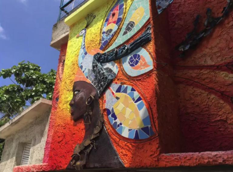 Εντυπωσιακή «αναγέννηση» στην πιο παλιά γειτονιά της Αβάνα | Newsit.gr
