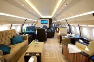"""Χανιά: Αυτό είναι το εκπληκτικό αεροσκάφος του πλουσιότερου Ρώσου – Το """"δωμάτιο πανικού"""" που έφτιαξε [pics]"""